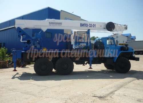 Автовышка Випо 32 на базе Урал (вездеход)